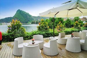 现代简约风格室外咖啡厅设计装修效果图