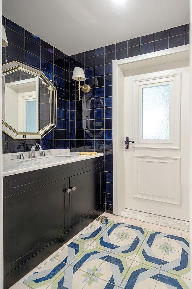 美式风格精美卫生间浴室柜设计装修图