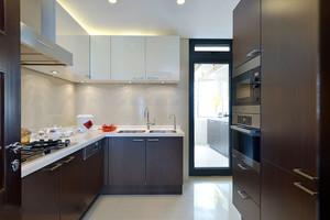 12平米现代风格精致整体厨房装修效果图