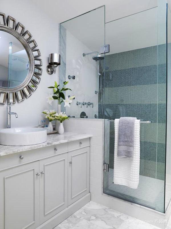 美式风格浅色精致卫生间淋浴房设计装修图