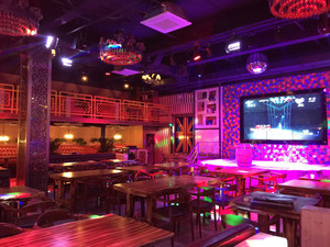 现代风格精美时尚音乐酒吧装修效果图