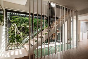 现代风格简约自然楼梯设计装修