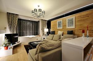 喜气洋洋76平米现代风格婚房设计装修图,原木色的沙发背景墙设计,黑色的包边,米色的布艺沙发设计,简单的家具装饰,整个空间看起来精致时尚。