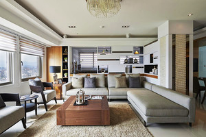 现代风格简单精美大户型室内装修效果图,原木色和灰色沙发设计,浅色舒适的地毯设计,整个空间线条简单,时尚精美,宽敞舒适。