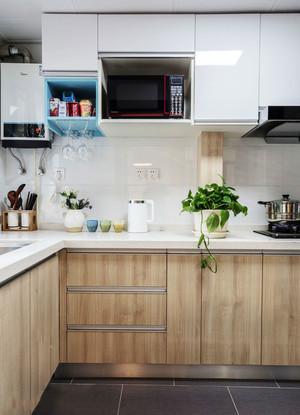 简约风格浅色小户型厨房装修效果图赏析
