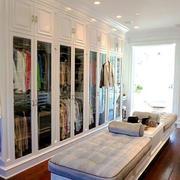 白色简欧风格精美开放式衣帽间装修图