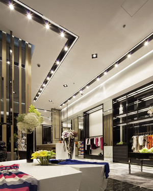 时尚现代风格精装服装店设计装修图