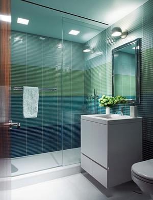 现代简约风格卫生间玻璃淋浴房设计装修图