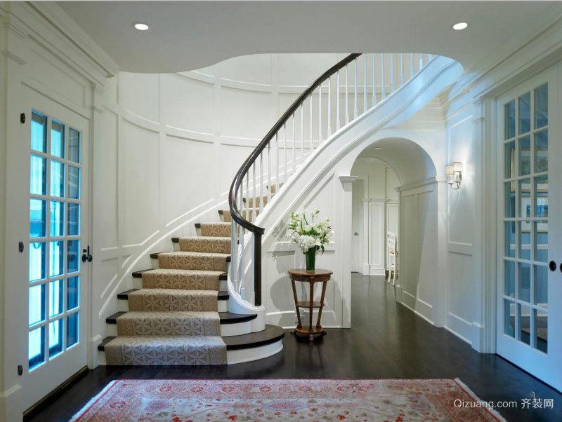 低调精美欧式风格别墅楼梯设计装修效果图