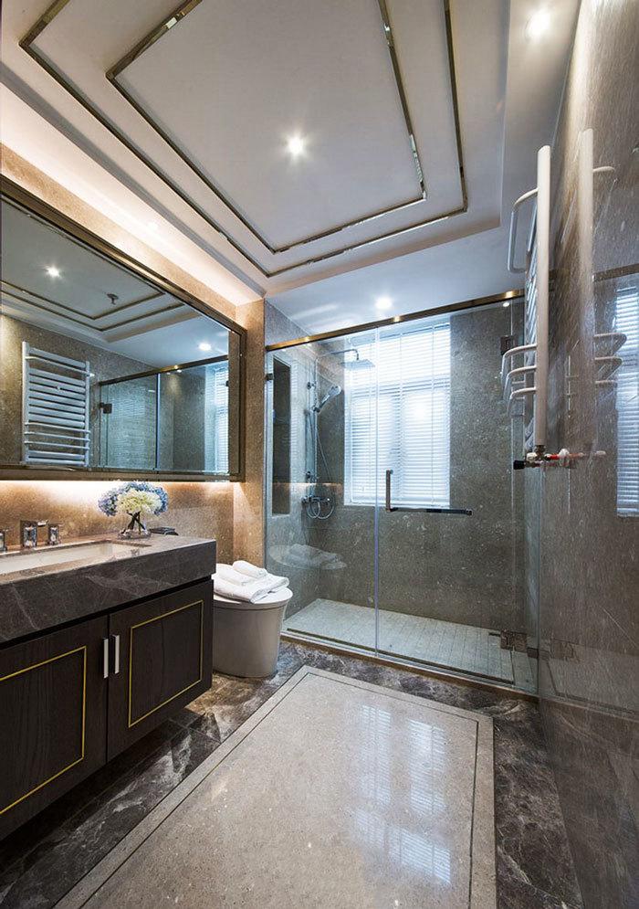 新古典主义风格轻奢卫生间设计装修实景图