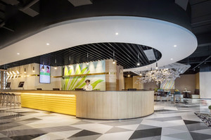 现代简约风格餐厅吧台装修效果图
