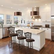 欧式风格别墅开放式厨房吧台设计装修效果图