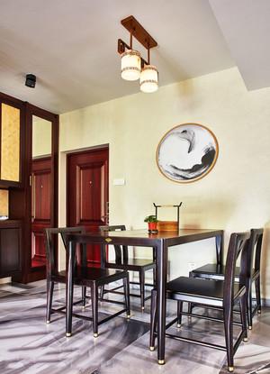 新中式风格精致餐厅吊灯装修效果图