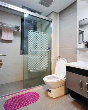 现代风格小户型整体淋浴卫生间装修图