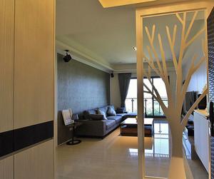 简约风格78平米两室两厅室内设计装修效果图,玄关处采用隔断的设计,创意的树形的隔断设计,精美时尚,实用美观的鞋柜设计,精美温馨。
