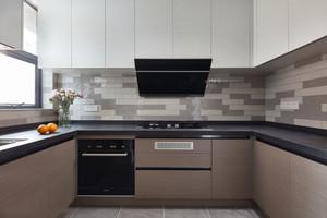 现代风格浅色整体厨房装修效果图