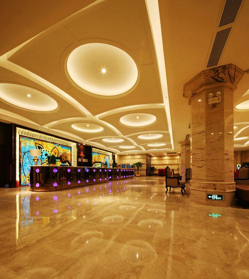 欧式风格奢华暖色酒店大堂设计装修图