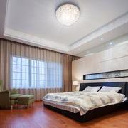 现代风格温馨卧室窗帘设计装修效果图