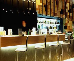 小型酒吧设计效果图