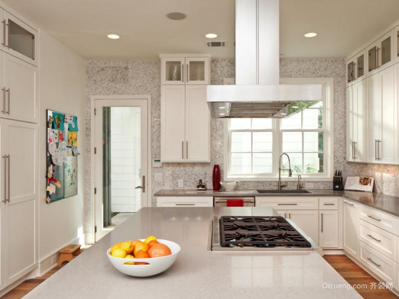 半开放式厨房装修效果图