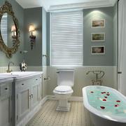 2平方法式卫生间带洗澡装修图