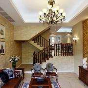 从客厅上阁楼楼梯设计
