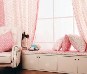 女孩飘窗床柜一体图片