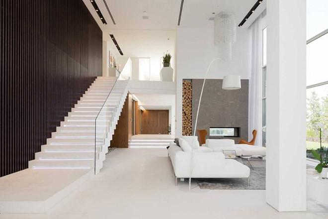 简约风复式客厅上下楼梯图片案例