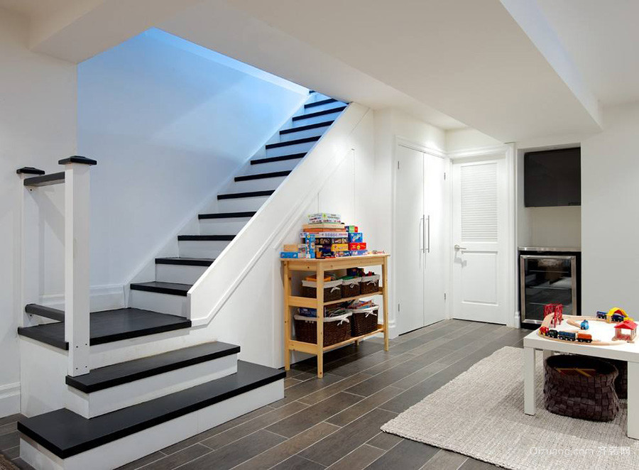 90平米复式楼楼梯设计效果图