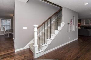 跃层客厅楼梯设计图赏析