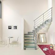简欧风别墅楼梯在客厅中间效果图