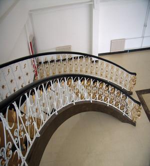 铁艺阁楼活动楼梯