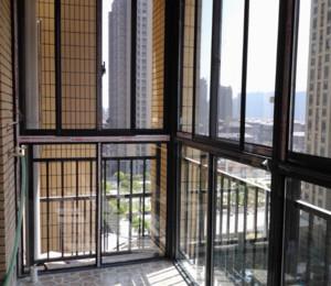 封闭式阳台装修效果图