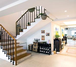 小复式楼梯装修案例效果图