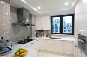 现代风格大户型厨房装修设计
