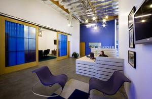 创意办公室前台设计