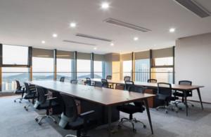 轻奢风办公空间会议室装修效果图赏析