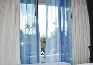 1米多宽窗户窗帘图片