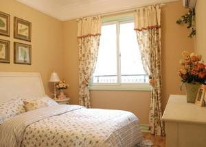 臥室溫馨窗簾裝修效果圖