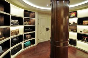 美式风豪华别墅环形衣帽间装修案例