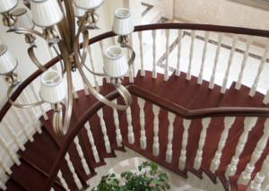 轻法式楼梯装修效果图赏析