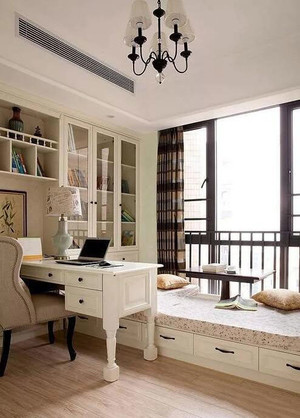 书房飘窗装修效果图欣赏