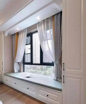 精致卧室飘窗装修案例欣赏