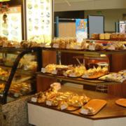 100平米现代简约风格面包店装修效果图