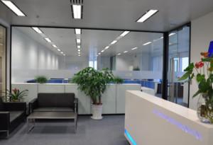 120平米简约风格办公室隔断装修效果图