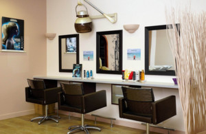 现代风格小型美发店装修效果图