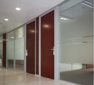 现代简约办公室玻璃隔断装修效果图赏析
