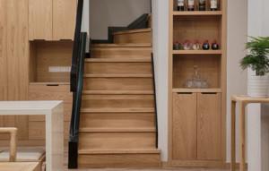 日式风格复式楼梯装修效果图大全