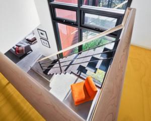 现代风格小别墅楼梯装修效果图赏析