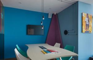 国际化培训学校会议室装修效果图